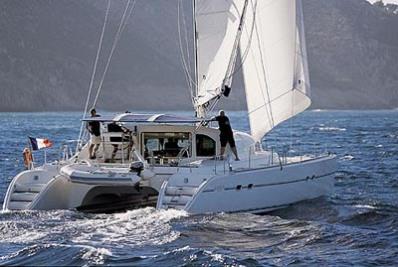 Location-catamaran-skipper-guadeloupe